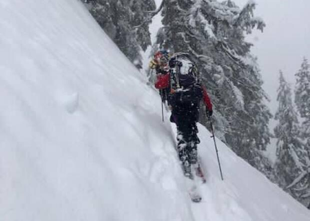 Poor weather and dangerous avalanche conditions have made for a difficult rescue of a skier and a snowboarder who went missing Saturday night.