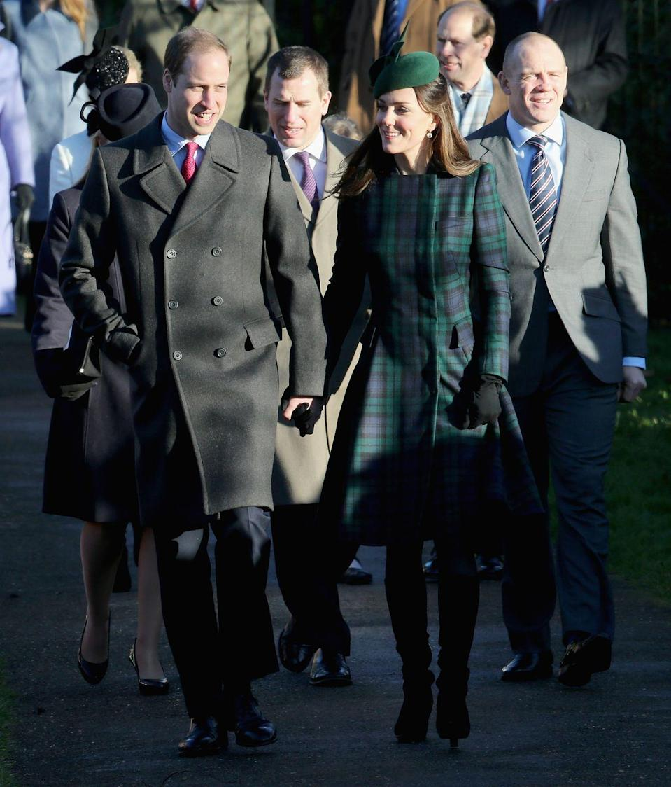<p>Royal PDA! Royal PDA! Will and Kate walked while holding hands after the Christmas Day service at Sandringham. </p>