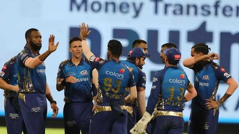 Mumbai Indians' team celebrates after picking a wicket. (Image courtesy: Hindustan Times)