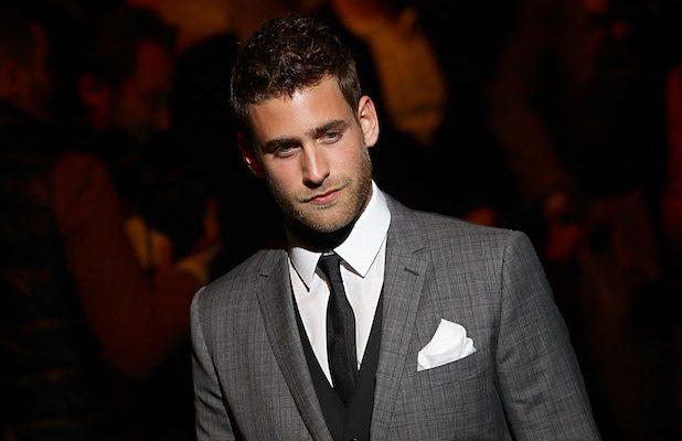 Oliver Jackson-Cohen to Star in 'The Invisible Man' at Universal and