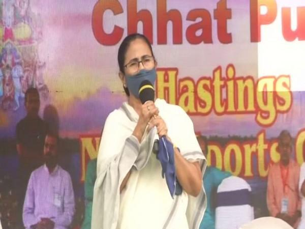 CM Mamata Banerjee at Chhath Puja celebrations (Photo ANI)