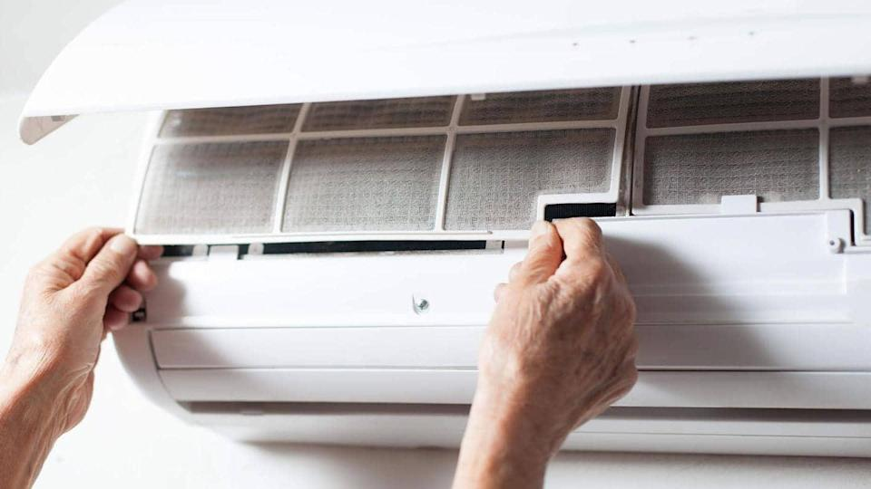Some tips to clean your air conditioner all by yourself