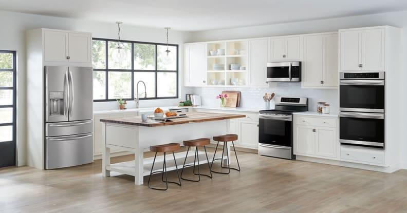 Black Friday 2020: Save big on appliance packages for the kitchen and laundry room.