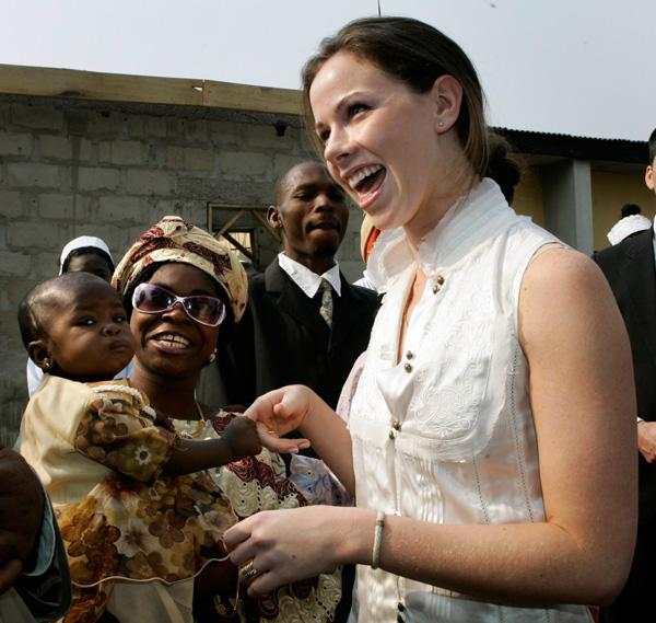 While Jenna has been honing her journalism career -- she was recently named an editor at Southern Living Magazine -- Barbara has been working as the CEO and co-founder of Global Health Corps , a non-profit that helps poor communities in Africa and in the United States.