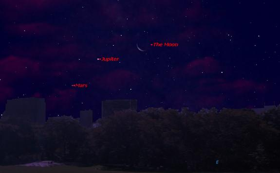 This sky map shows the locations of Jupiter, Mars and the moon just before dawn on Aug. 3, 2013 as seen from mid-northern latitudes.