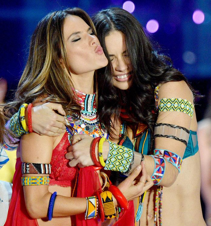39d498211d6 Alessandra Ambrosio Bids Farewell to Adriana Lima Like Only a Victoria s  Secret Model Can