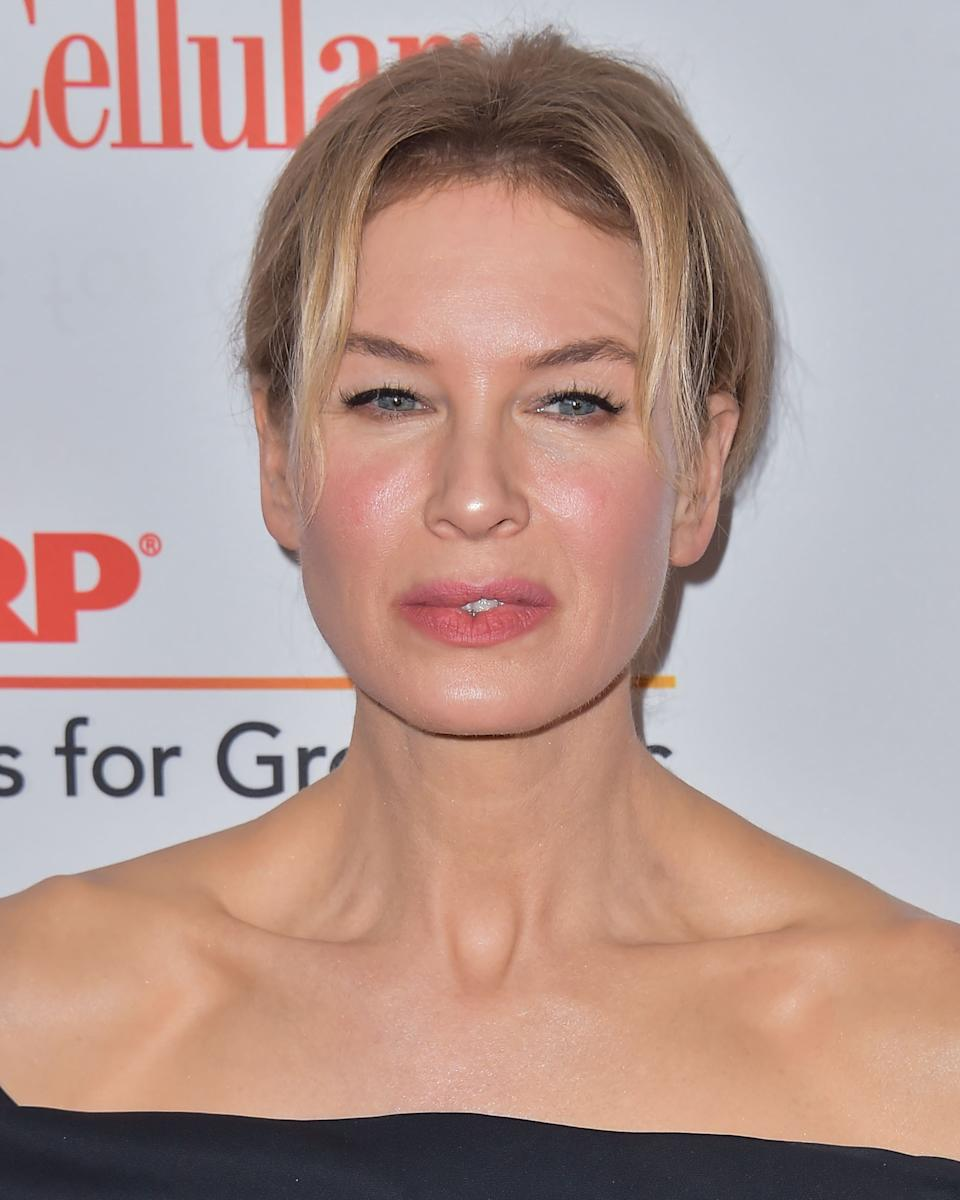 BEVERLY HILLS, LOS ANGELES, CALIFORNIA, USA - JANUARY 11: Renee Zellweger arrives at AARP The Magazine's 19th Annual Movies For Grownups Awards held at The Beverly Wilshire Four Seasons Hotel on January 11, 2020 in Beverly Hills, Los Angeles, California, United States. (Photo by Image Press Agency/Sipa USA)