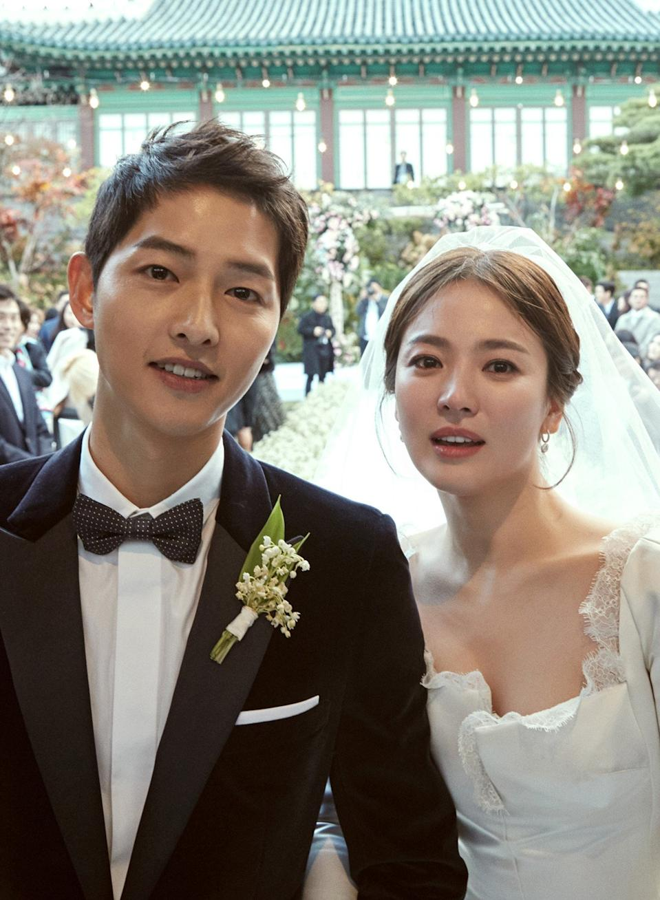 South Korean stars Song Joong-ki and Song Hye-kyo tie the knot. (Photo: Blossom Entertainment)