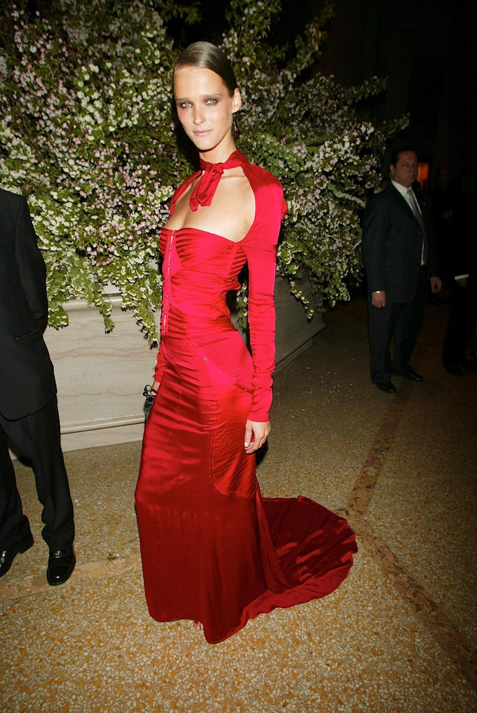 """<h1 class=""""title"""">Carmen Kass in Gucci, 2003</h1><cite class=""""credit"""">Photo: Getty Images</cite>"""