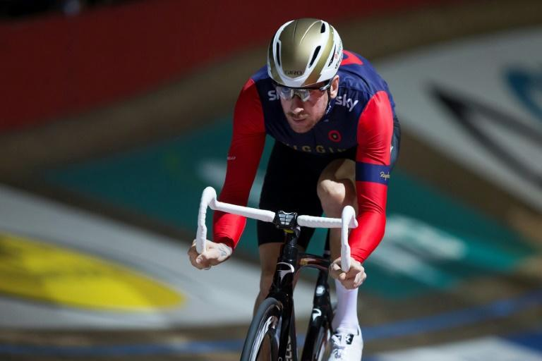 Britain's Bradley Wiggins, who won his fifth cycling gold medal in Rio last year, will return to the London Velodrome not to sit on a bike, but to compete in the British Indoor Rowing Championships