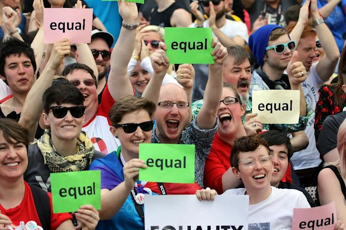 Supporters of same-sex marriage gather at Dublin Castle on May 23, 2015 in Dublin (AFP Photo/Paul Faith)