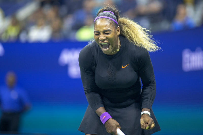 Us Open Day 3 Roger Federer Advances Venus Williams Defeated