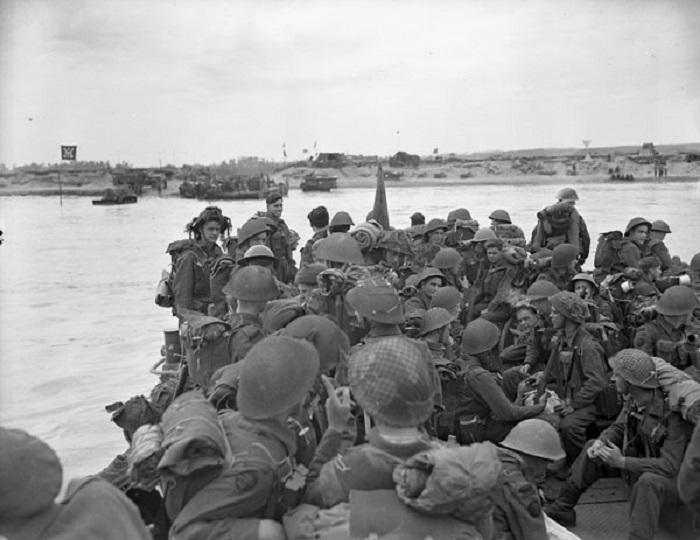 D-Day landing Canadian troops library and archives