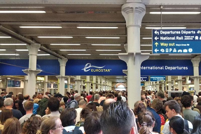 Angry passengers left stranded due to service failures in June: Twitter/ SergioCampua