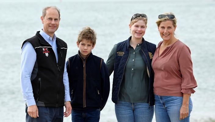 SOUTHSEA, ENGLAND - SEPTEMBER 20: Britain's Prince Edward, Earl of Wessex and Sophie, Countess of Wessex pose with their children Lady Louise and James, Viscount Severn, as they take part in the Great British Beach Clean on September 20, 2020 in in Southsea, United Kingdom. (Photo by Toby Melville - WPA Pool / Getty Images)