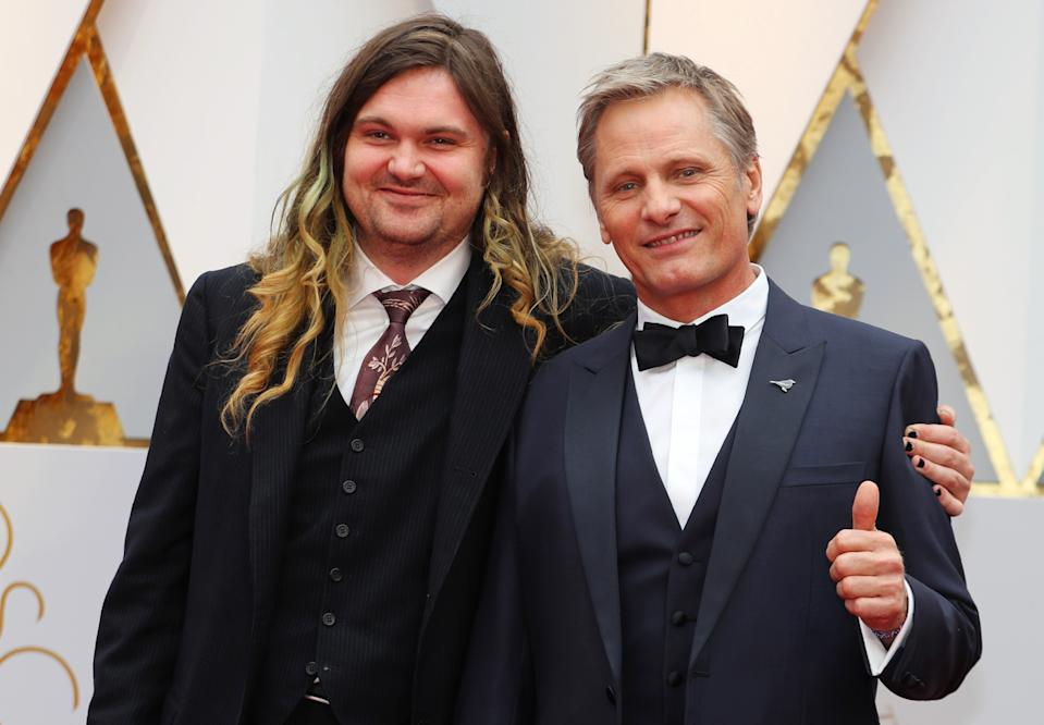 89th Academy Awards - Oscars Red Carpet Arrivals - Hollywood, California, U.S. - 26/02/17 - Viggo Mortensen and his son Henry (L) pose on the red carpet. REUTERS/Mike Blake