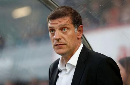 Football Soccer - Carabao Cup - Second Round - Cheltenham Town vs West Ham United - Cheltenham, Britain - August 23, 2017   West Ham United manager Slaven Bilic    Action Images via Reuters/Matthew Childs