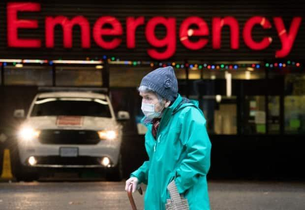 'We're not even at the peak yet': Doctor warns of pandemic burnout as 2nd wave grows