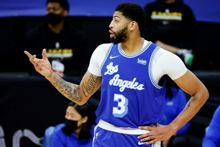 Anthony Davis has bounced back to lead the Los Angeles Lakers to two consecutive victories over the Phoenix Suns