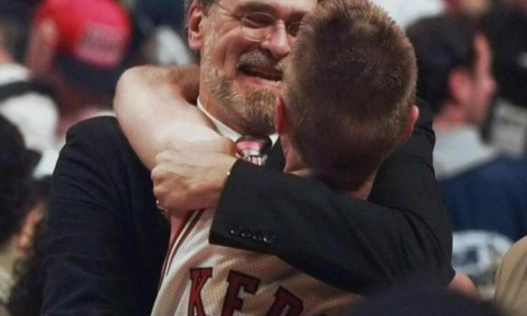 Phil Jackson and Steve Kerr have more in common than the 1990s Chicago Bulls. (AP)