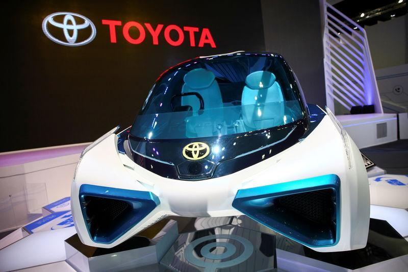 FILE PHOTO: Toyota's FCV Plus hydrogen fuel-cell concept vehicle is seen at the 38th Bangkok International Motor Show in Bangkok, Thailand March 28, 2017. REUTERS/Athit Perawongmetha/File Photo