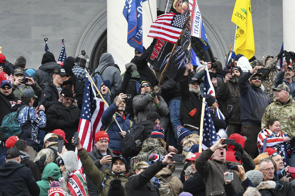 Photo by: JT/STAR MAX/IPx 2021 6/3/21 DOJ arrests four Oath Keepers in connection with January 6th riot in D.C.. STAR MAX File Photo: 1/6/21 The United States Capitol Building in Washington, D.C. was breached by thousands of protesters during a