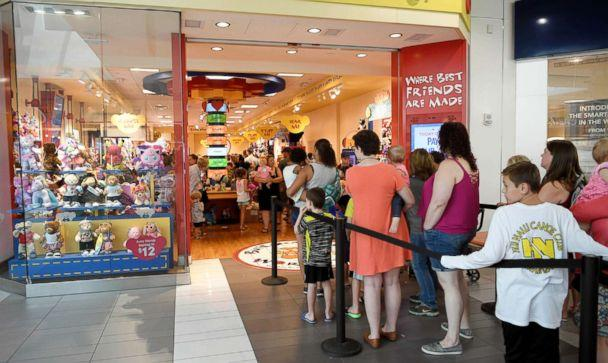 PHOTO: Fans wait in line for Build-a-Bear's 'Pay Your Age' sale at Cool Springs Galleria Franklin, TN, July 12, 2018. (Shelley Mays/The Tennessean/USA TODAY)
