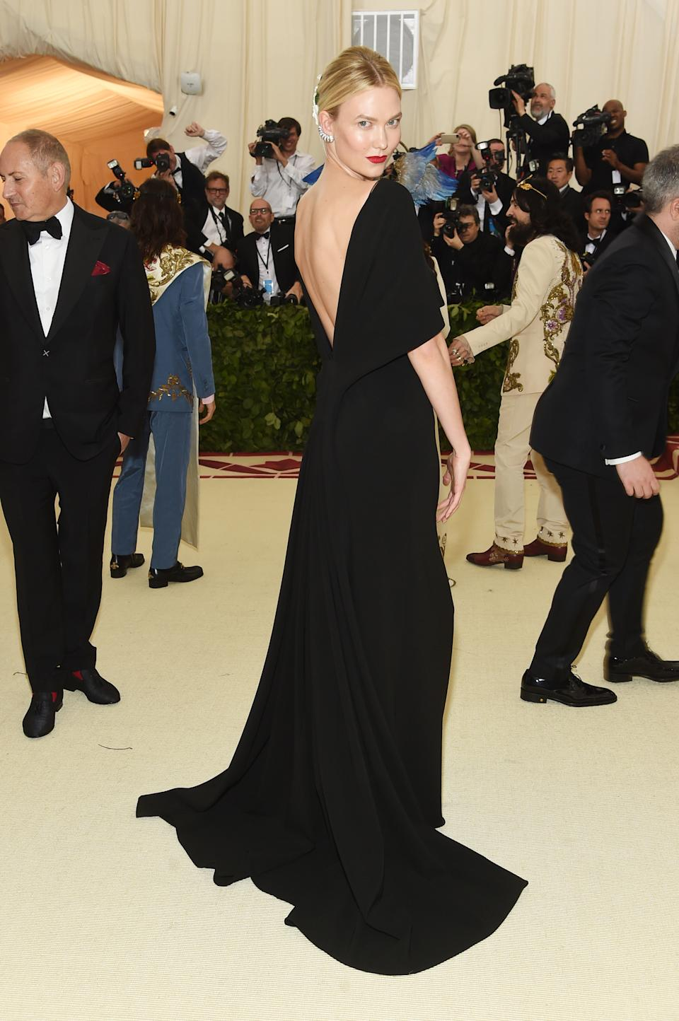 """<h1 class=""""title"""">Karlie Kloss in Brandon Maxwell</h1><cite class=""""credit"""">Photo: Getty Images</cite>"""