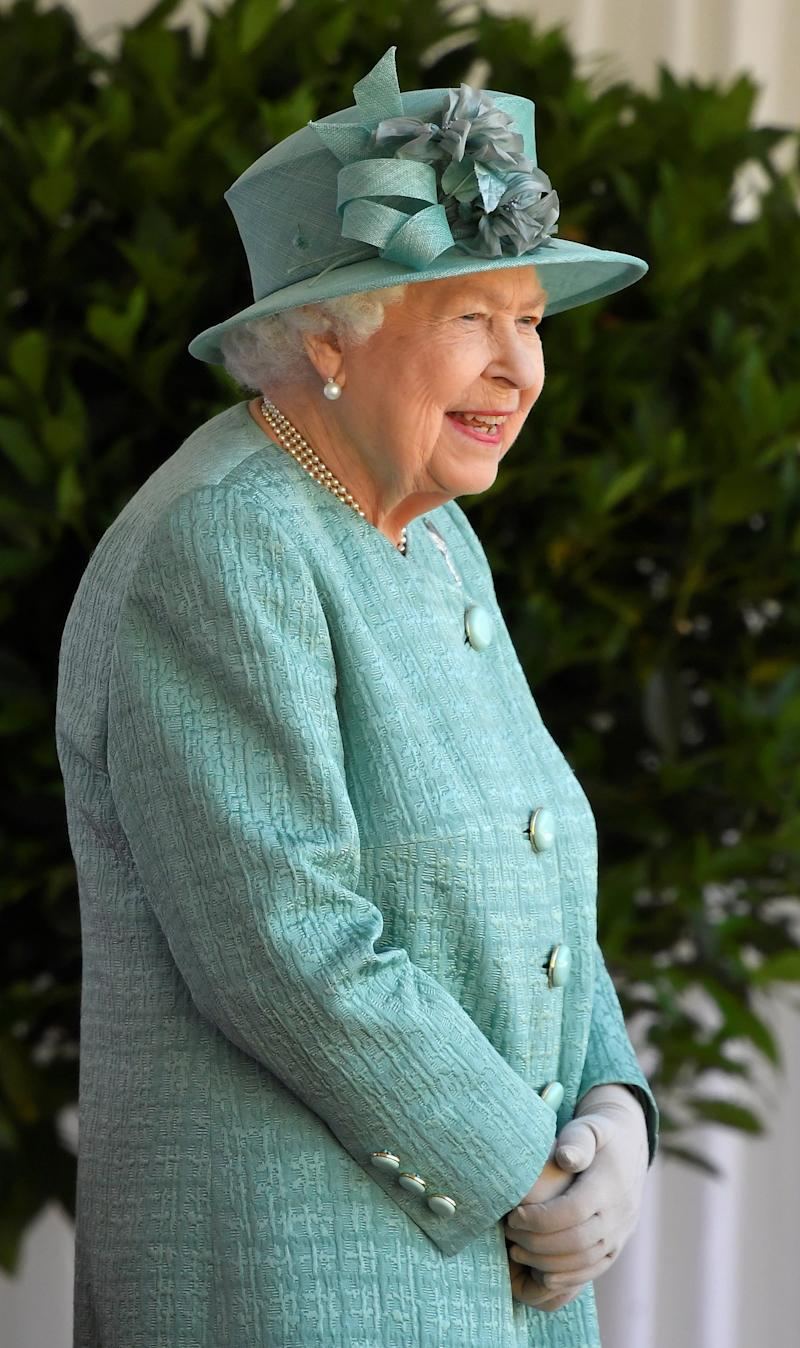 Queen Elizabeth marks her official birthday in Windsor (Toby Melville / Reuters)
