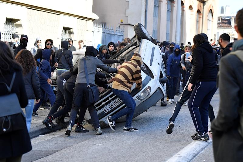Protests erupted in several cities in France over education reforms (AFP Photo/GERARD JULIEN)
