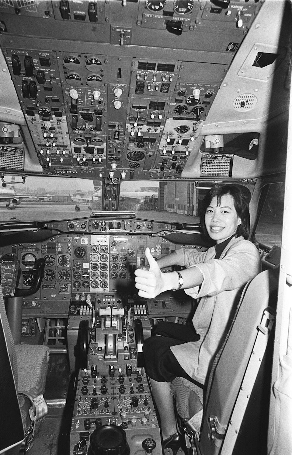 Rosa Chak Suk-ching, Dragonair's first female pilot, pictured in 1987. Photo: SCMP