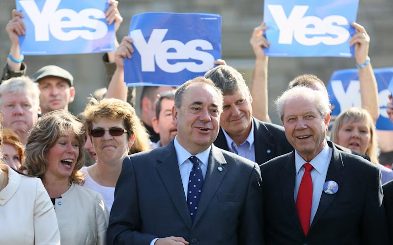 Alex Salmond poses during the first referendum - Credit: Reuters
