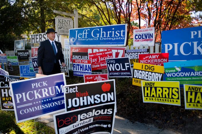 Circuit Court clerk Mark Mumford arrives at the Kent County Public Library to check on turnout for Maryland's early voting on Thursday. (Photo: Jim Watson/AFP/Getty Images)