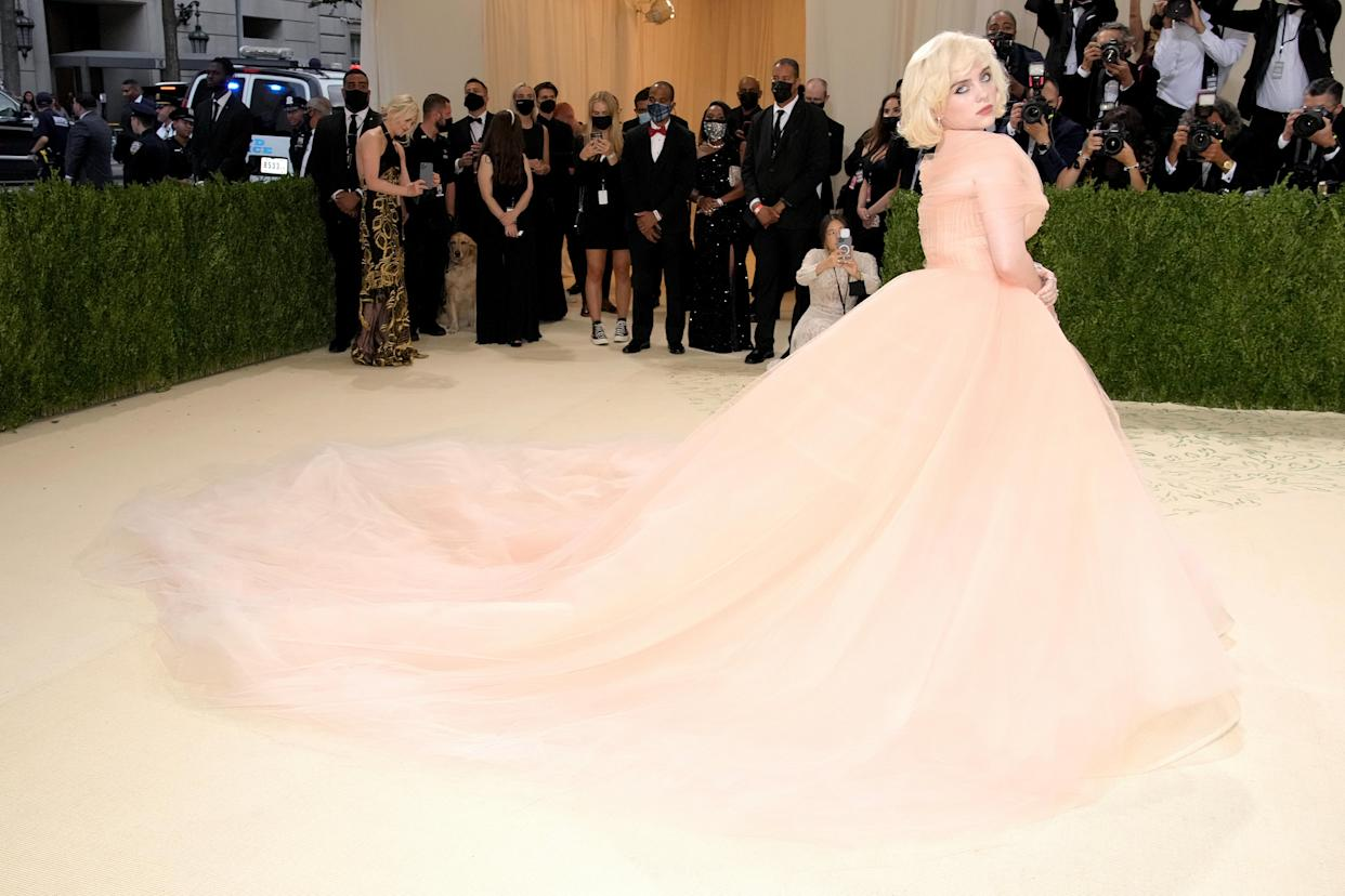 Co-chair Billie Eilish attended The 2021 Met Gala Celebrating In America: A Lexicon Of Fashion at Metropolitan Museum of Art on September 13, 2021 in New York City wearing Oscar De La Renat gown and Charlotte Tilbury make-up.  (Getty Images)