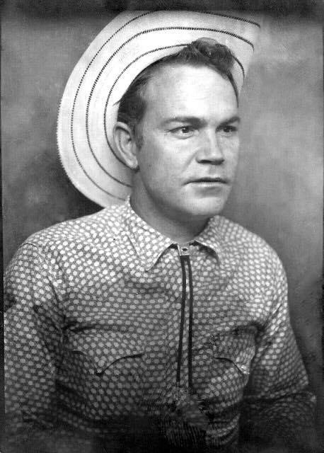 """Joseph Cecil """"Red"""" Simpson was a country singer known for his songs based on truckers. He died Jan. 8 after complications from a heart attack. He was 81. (Photo: Facebook)"""