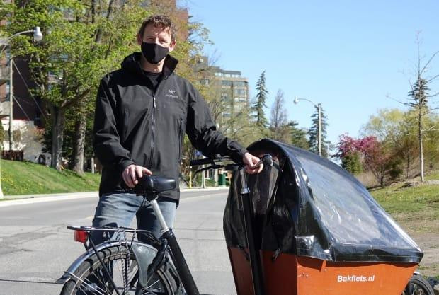 NDP MPP Joel Harden, a cargo bike user himself, is calling on the Ontario government to adopt an e-bike classification system similar to what California has already developed and tested.