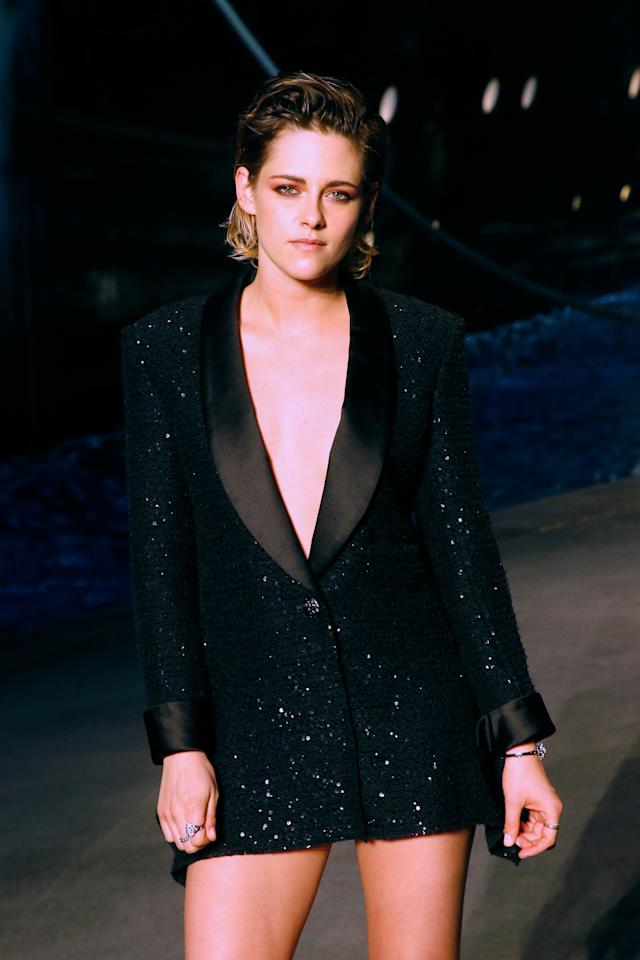 Kristen Stewart attends the Chanel Cruise 2018/2019 Collection : Photocall, at Le Grand Palais on May 3, 2018 in Paris, France. Photo courtesy of Getty Images.