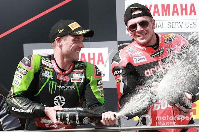 "1. Alex Lowes, Kawasaki Racing Team, 3. Scott Redding, Aruba.it Racing Ducati <span class=""copyright"">Gold and Goose / Motorsport Images</span>"