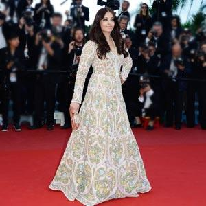 Aishwarya Rai Bachchan Dons Abu Jani-Sandeep Khosla For Cannes 2013 Red Carpet