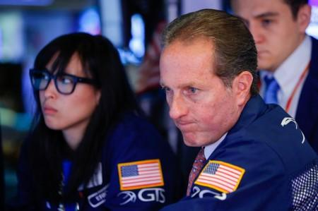 No ready spark seen for lagging U.S. energy shares