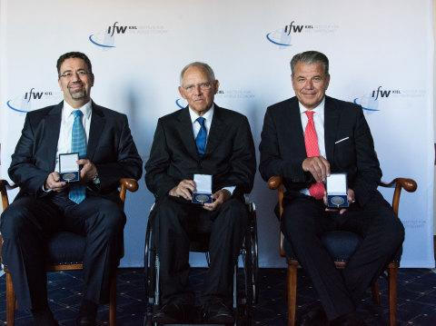 Western Union CEO Hikmet Ersek Recognized for International Influence on Global Issues