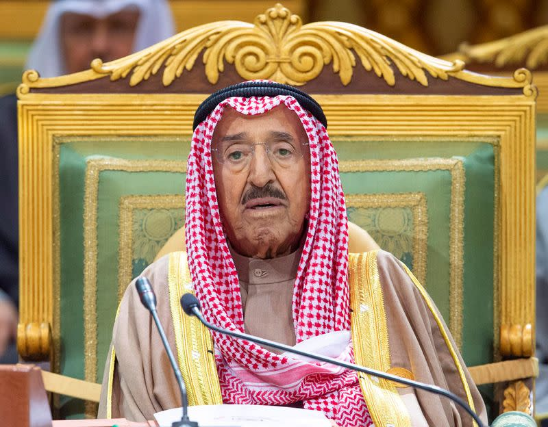 Kuwait's PM informs cabinet of the improvement of the emir's health  - tweet