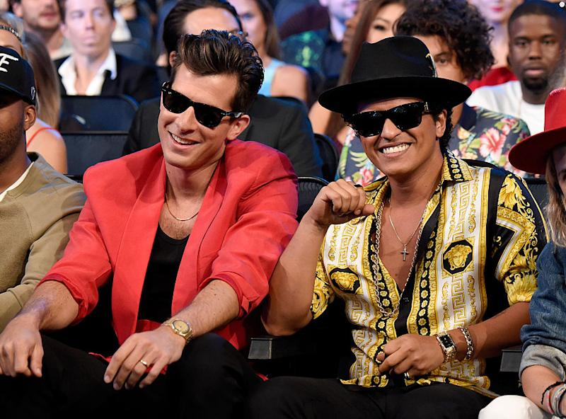 """""""Uptown Funk"""" officially reached diamond status and it happened *really* fast"""