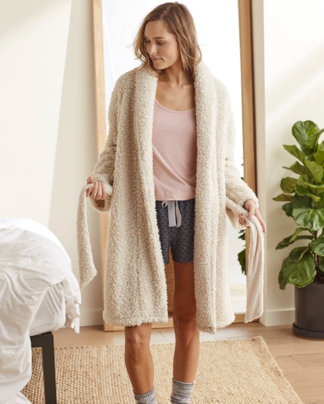"""<h3><a href=""""https://upwest.com/products/beau-sherpa-women-robe"""" rel=""""nofollow noopener"""" target=""""_blank"""" data-ylk=""""slk:UpWest Sherpa Robe"""" class=""""link rapid-noclick-resp"""">UpWest Sherpa Robe</a></h3><br>This super-snuggly robe situation is crafted from a fleecy sherpa-style fabric with a cozy collar, tie-waist closure, and pockets. <br><br><strong>UpWest</strong> Sherpa Robe, $, available at <a href=""""https://go.skimresources.com/?id=30283X879131&url=https%3A%2F%2Fupwest.com%2Fproducts%2Fbeau-sherpa-women-robe"""" rel=""""nofollow noopener"""" target=""""_blank"""" data-ylk=""""slk:UpWest"""" class=""""link rapid-noclick-resp"""">UpWest</a>"""