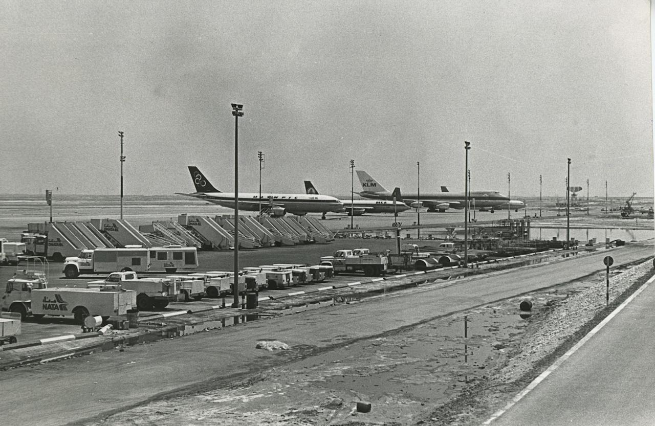 Dubai S Beautiful First Airport Opened In 1960 With A Sand
