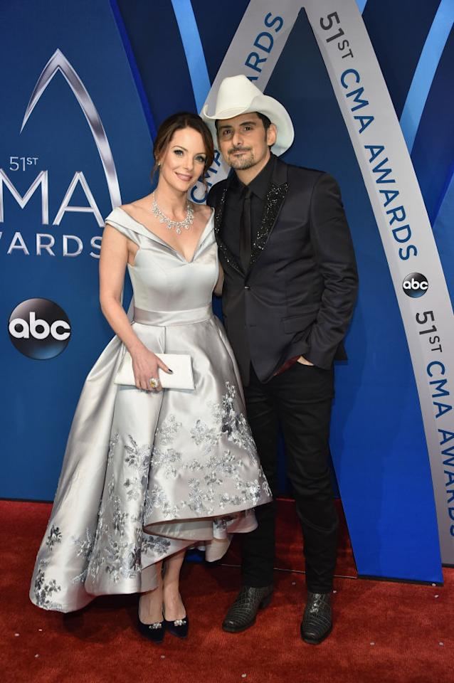 <p>The award show's co-host and his wife shine on the red carpet. (Photo: Getty Images) </p>