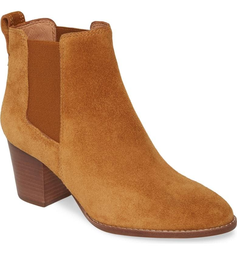 """<p>These <a href=""""https://www.popsugar.com/buy/Madewell-Regan-Boots-489663?p_name=Madewell%20The%20Regan%20Boots&retailer=shop.nordstrom.com&pid=489663&price=198&evar1=fab%3Aus&evar9=45214624&evar98=https%3A%2F%2Fwww.popsugar.com%2Ffashion%2Fphoto-gallery%2F45214624%2Fimage%2F46603083%2FMadewell-Regan-Boots&list1=shopping%2Cfall%20fashion%2Cshoes%2Cboots%2Cfall%2Cwinter%2Cwinter%20fashion&prop13=mobile&pdata=1"""" rel=""""nofollow"""" data-shoppable-link=""""1"""" target=""""_blank"""" class=""""ga-track"""" data-ga-category=""""Related"""" data-ga-label=""""https://shop.nordstrom.com/s/madewell-the-regan-boot-women/5069961?origin=category-personalizedsort&amp;breadcrumb=Home%2FWomen%2FShoes%2FBoots&amp;color=equestrian%20brown%20suede"""" data-ga-action=""""In-Line Links"""">Madewell The Regan Boots</a> ($198) comes in several colors and prints.</p>"""