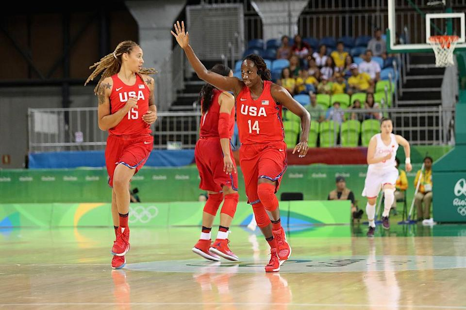 Tina Charles (right) and Brittney Griner dominated China inside as the U.S. breezed to a 43-point win. (Photo by Rob Carr/Getty Images)