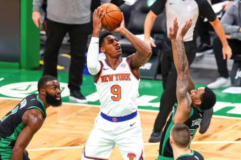 Knicks thump Celtics in Walker's NBA return