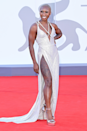 <p>A moment, please, for Cynthia Erivo's plunging silver Versace situation at the Madres Paralelas red carpet.</p>